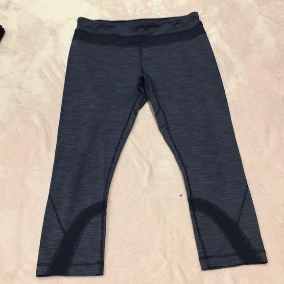 Lululemon crop leggings size 8